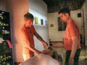 oil californian teacher participant massage course foundation
